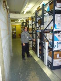 Warehouse-mobile-shelving