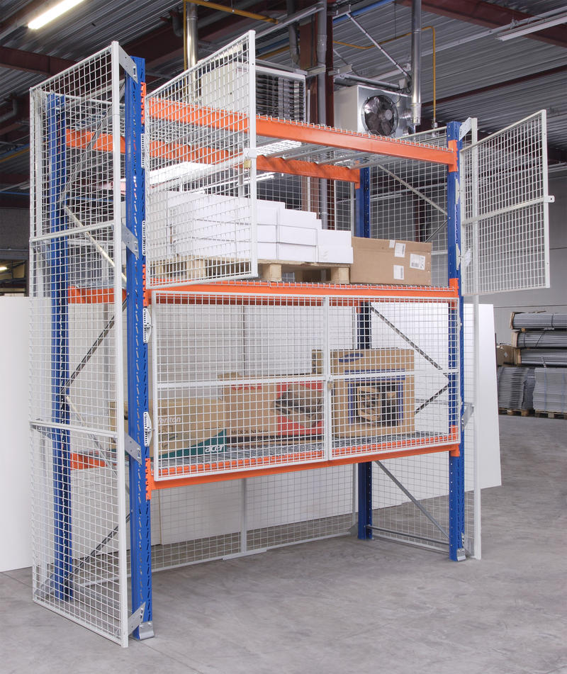Mesh-cages-doors-on-pallet-racking